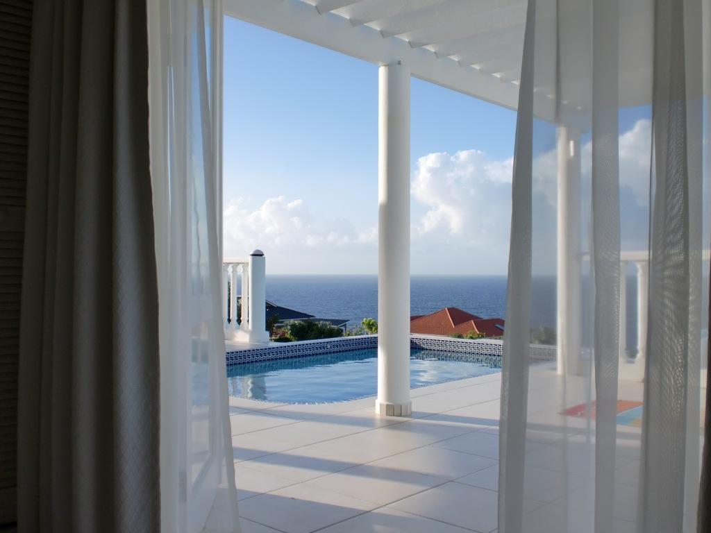 Curacao Luxury Villa For Rent Master Bedroom
